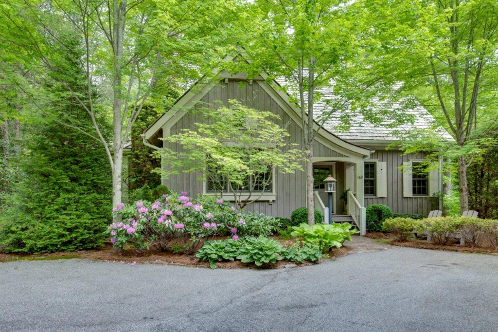 Mountain cottage in Arrowhead, Cashiers, NC